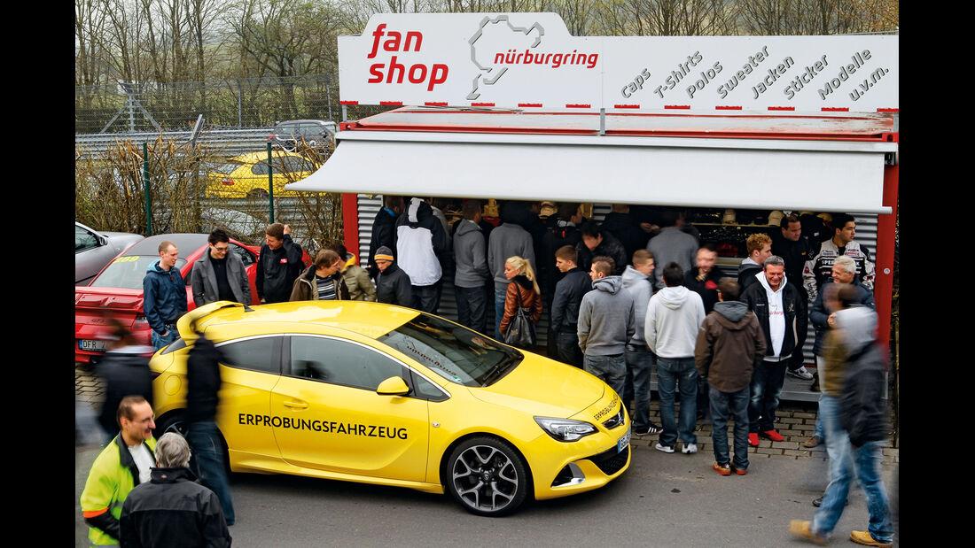 Opel Astra OPC, Seitenansicht, Kiosk