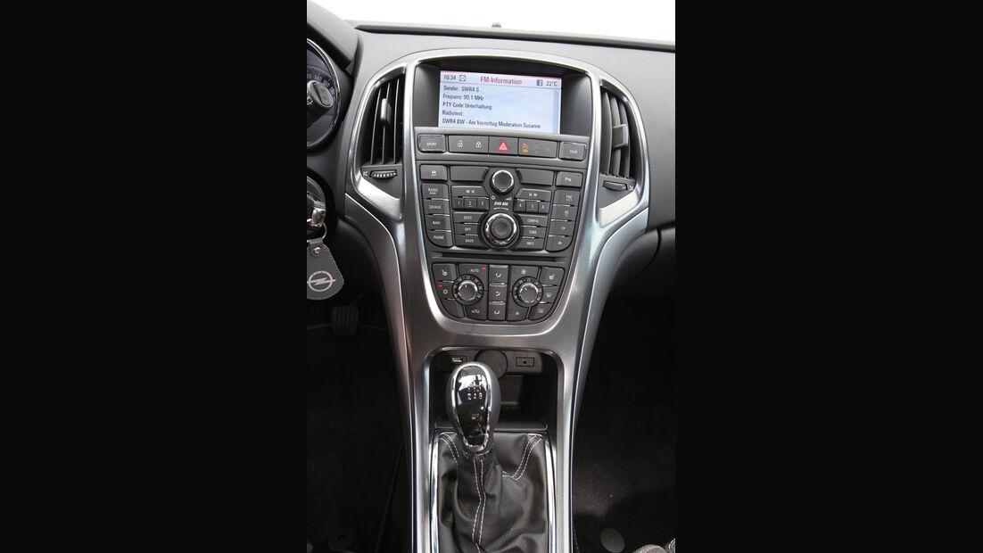Opel Astra Sp.Tourer 1.4 Turbo Innovation, Mittelkonsole, Bildschrim