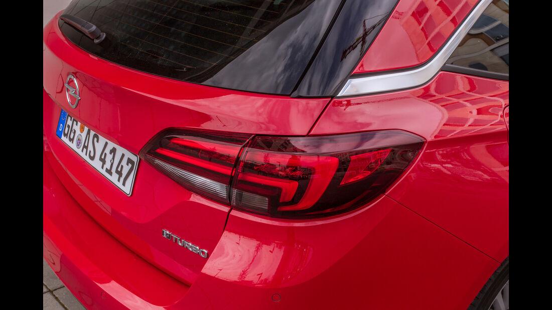Opel Astra Sports Tourer 1.6 Biturbo CDTI, Heckleuchte