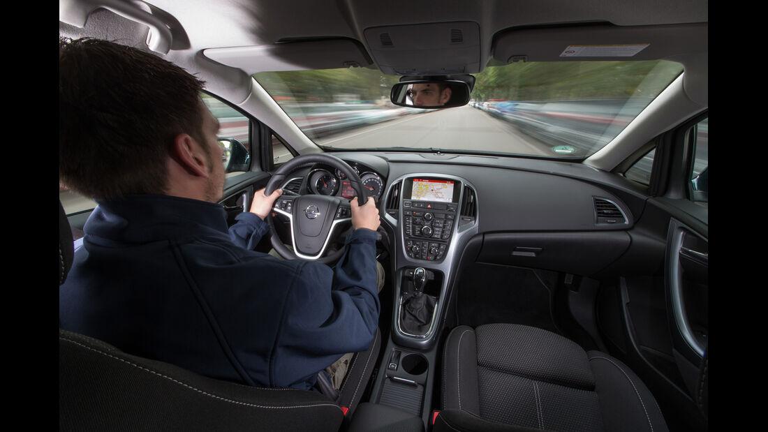 Opel Astra Sports Tourer 1.6 CDTI, Cockpit, Fahrersicht