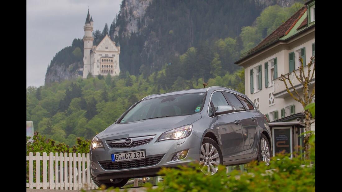 Opel Astra Sports Tourer 2.0 CDTi, Burg
