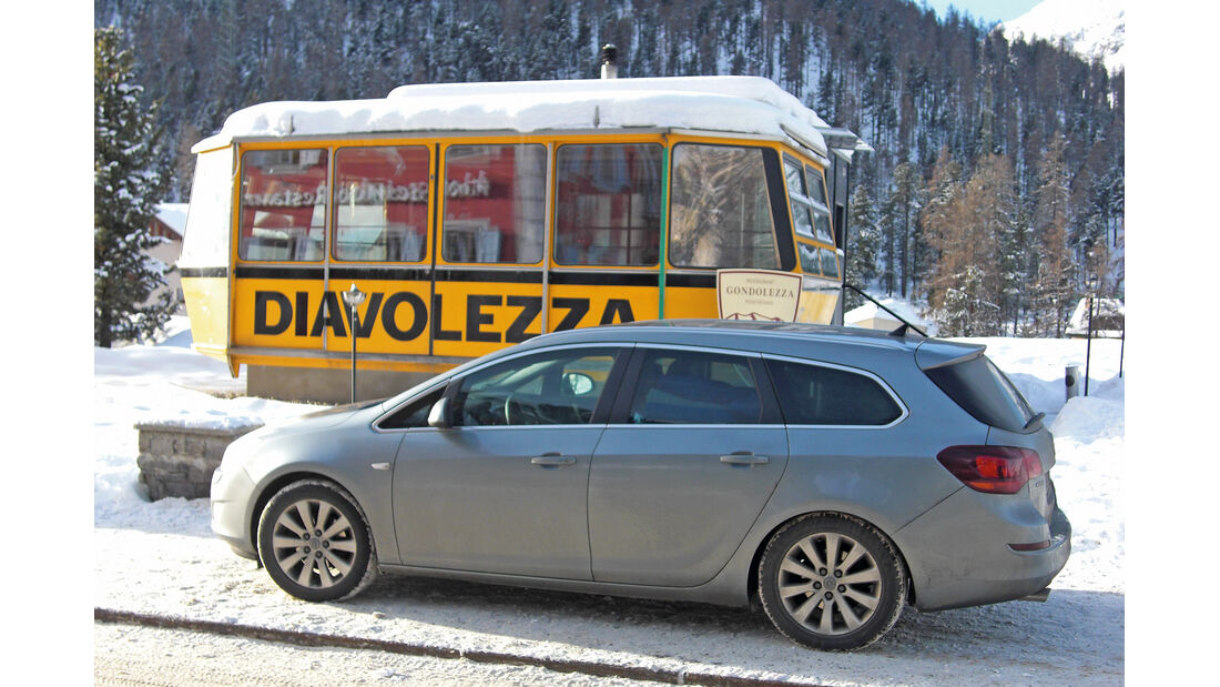 Opel Astra Sports Tourer 2.0 CDTi, Gondel