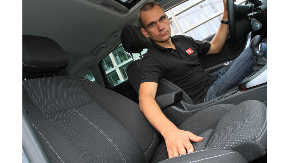 Opel Astra Sports Tourer 2.0 CDTi, Jörn Thomas, Cockpit