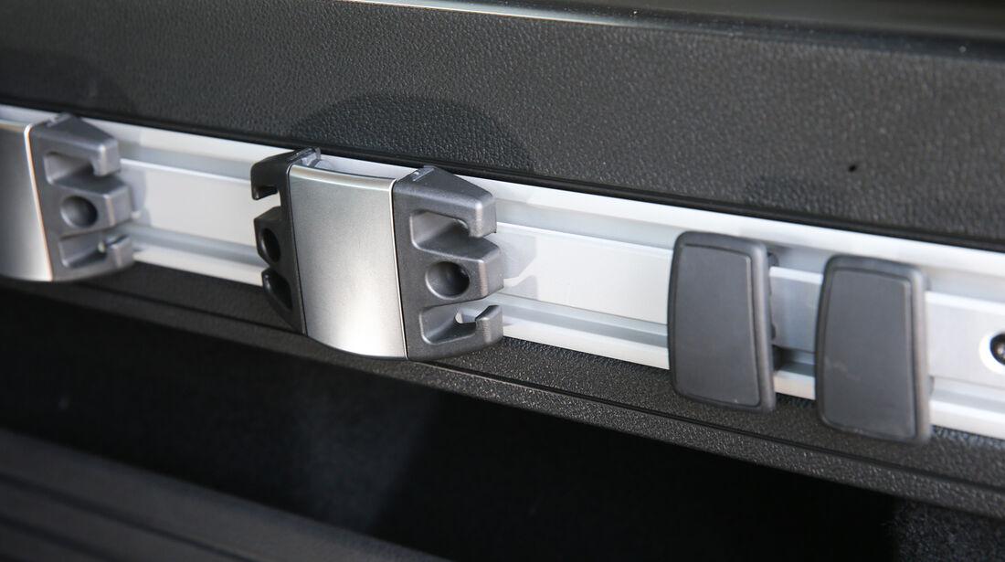 Opel Astra Sports Tourer 2.0 CDTi ecoflex Edition, Haltevorrichtung