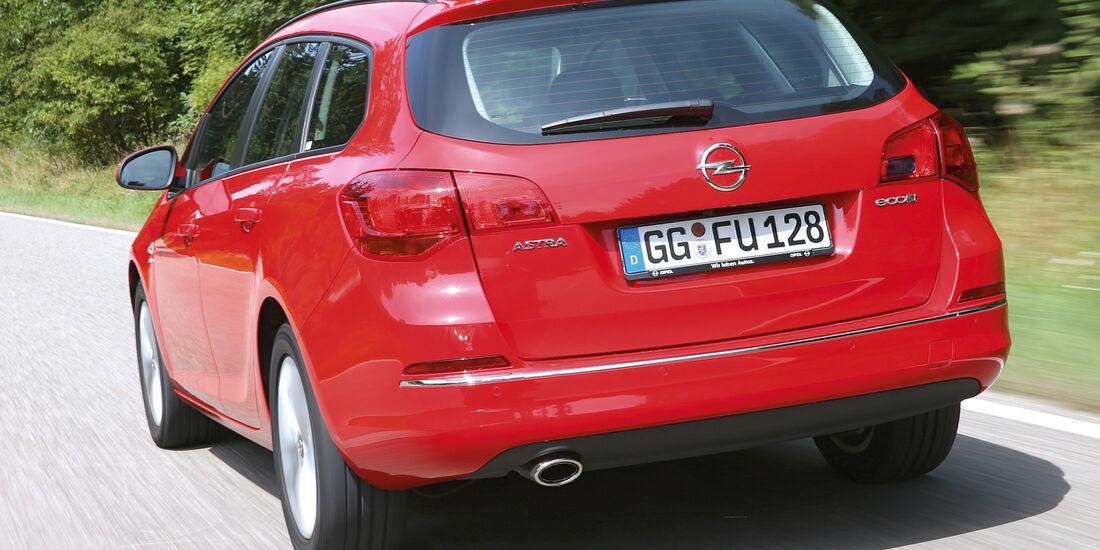 Opel Astra Sports Tourer 2.0 CDTi ecoflex Edition, Heckansicht