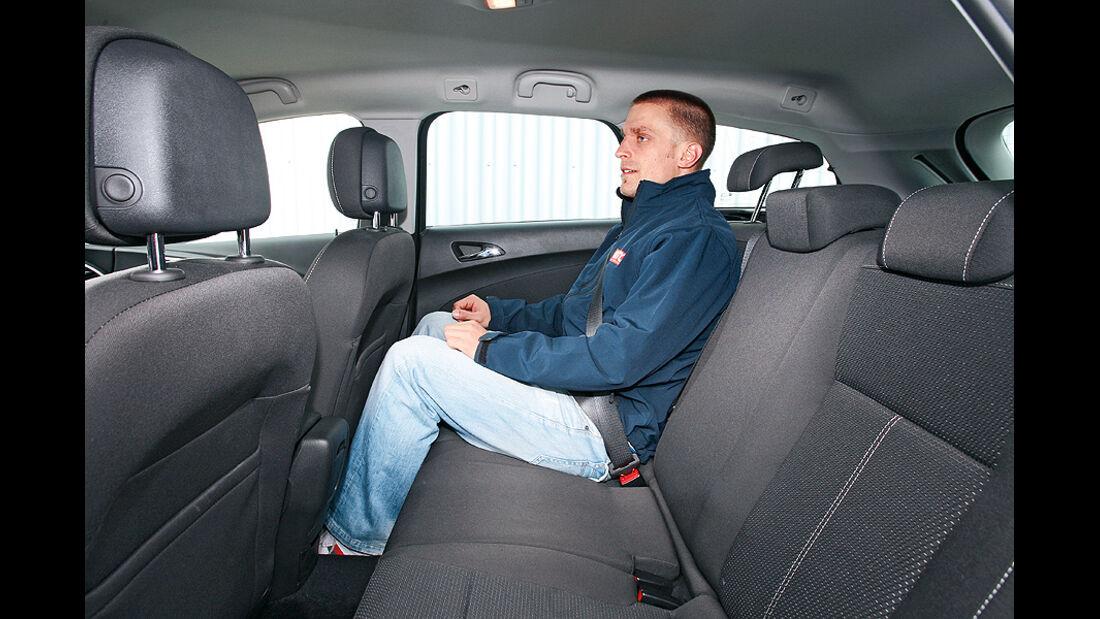 Opel Astra Sports Tourer, Innenraum, Sitze hinten