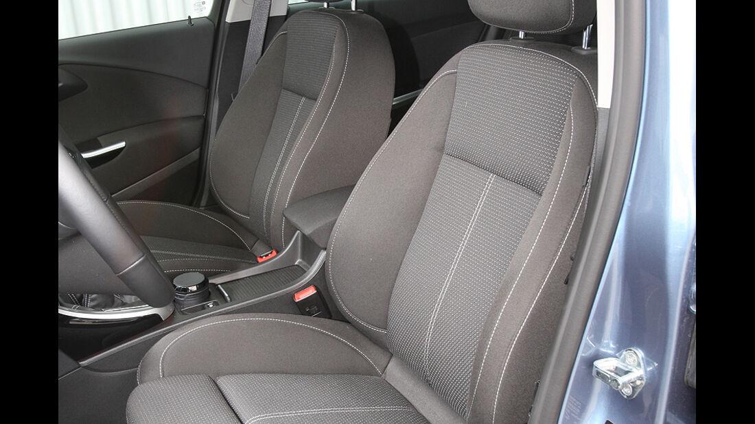 Opel Astra Sports Tourer, Sitze vorn