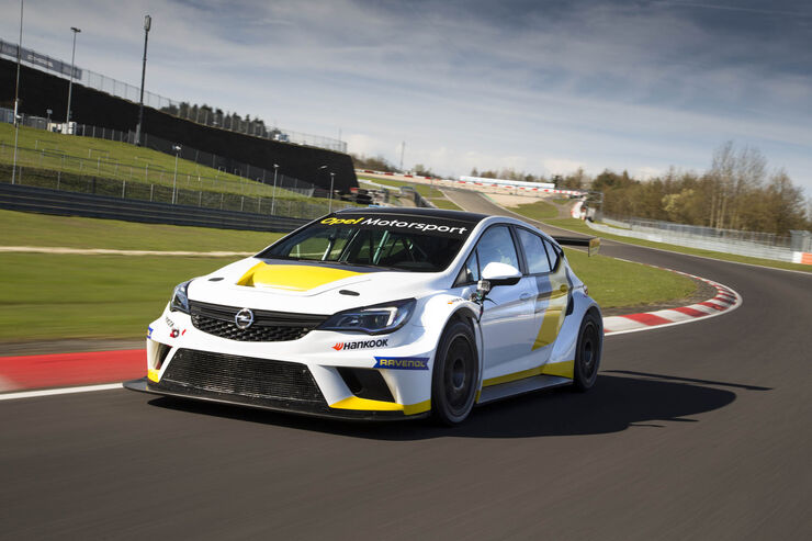tracktest mit dem opel astra tcr 2016 auf dem. Black Bedroom Furniture Sets. Home Design Ideas
