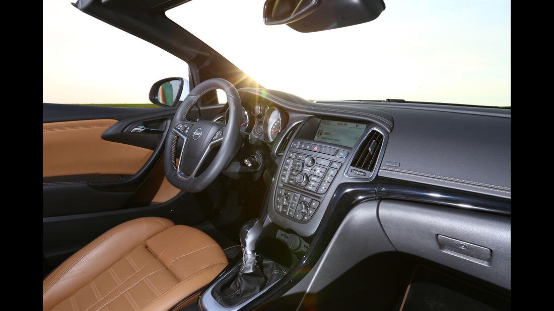 Opel Cascada 1.6 Turbo SIDI Turbo, Cockpit