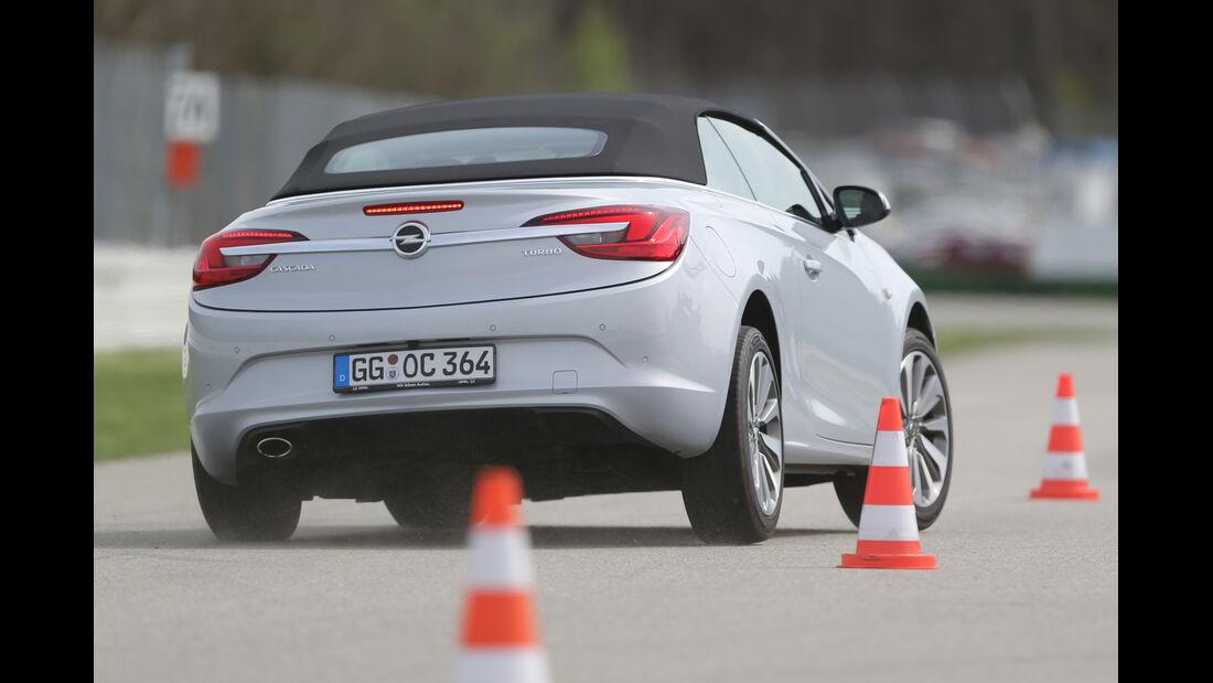 Opel Cascada 1.6 Turbo SIDI Turbo, Heckansicht, Slalom