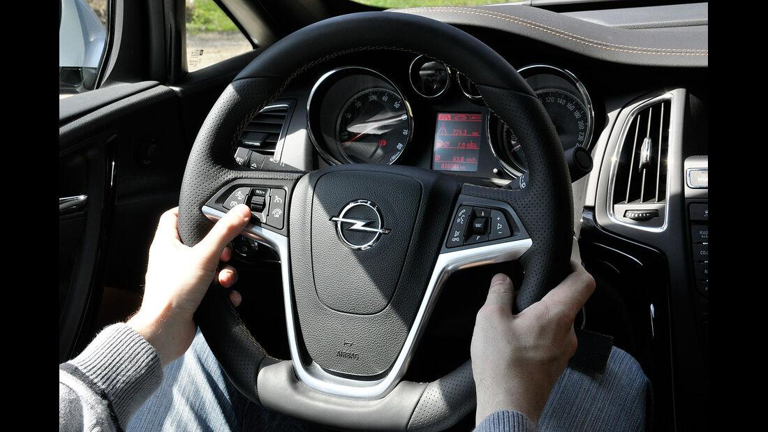 Opel Cascada, Lenkrad