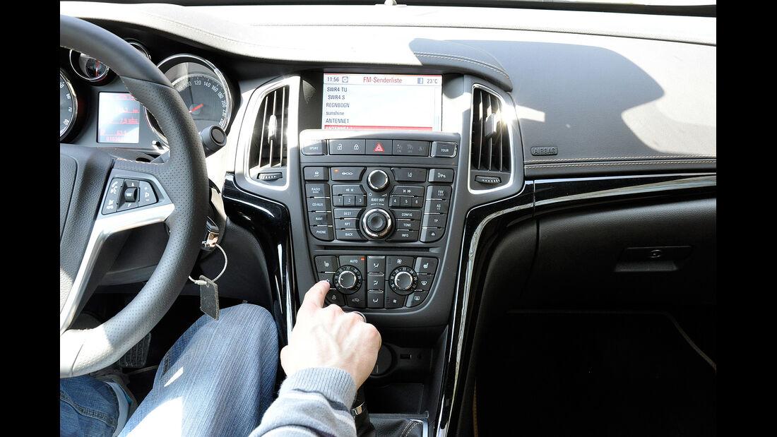 Opel Cascada, Mittelkonsole