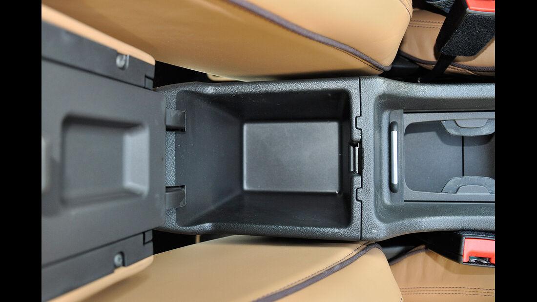 Opel Cascada, Mittelkonsole, Ablage