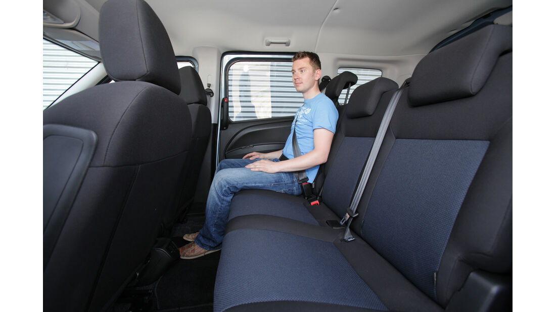 Opel Combo 1.6 CDTi, Rücksitze, Beinfreiheit