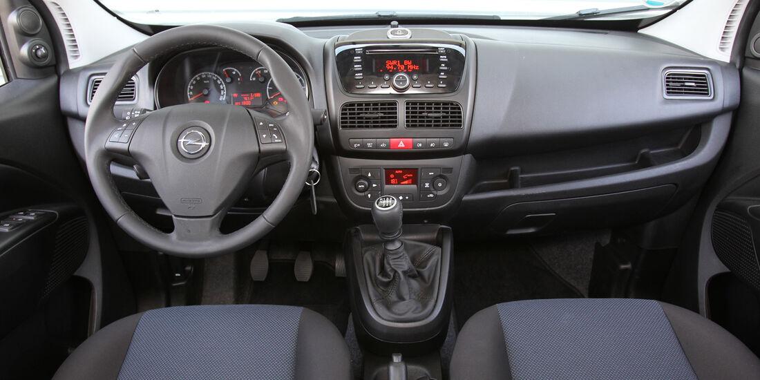 Opel Combo, Cockpit, Lenkrad