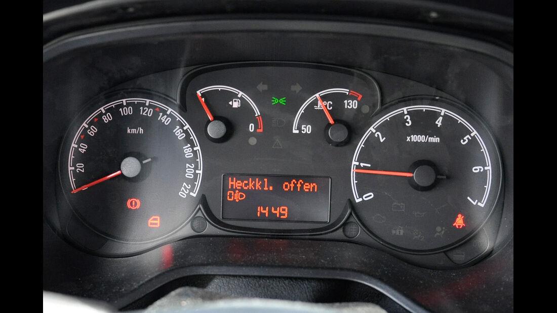Opel Combo, Instrumente