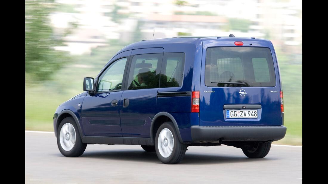 Opel Combo Tour 1.3 CDTi, Heckansicht