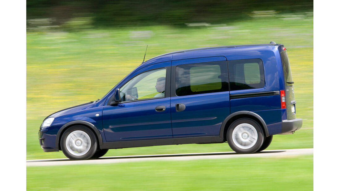 Opel Combo Tour 1.3 CDTi, Seitenansicht