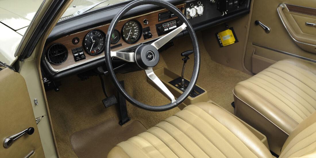 Opel Commodore 2500 S, Innenraum