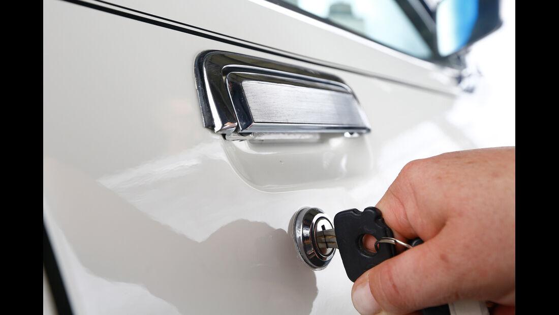 Opel Commodore B, Schlüssel, Öffnen
