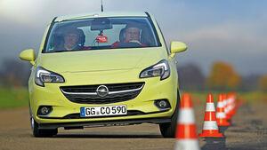 Opel Corsa 1.3 CDTI, Frontansicht, Slalom