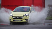 Opel Corsa 1.3 CDTI, Frontansicht, Wasserdurchfahrt