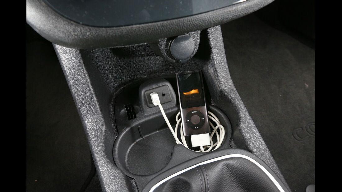 Opel Corsa 1.4 Innovation, Anschlüsse
