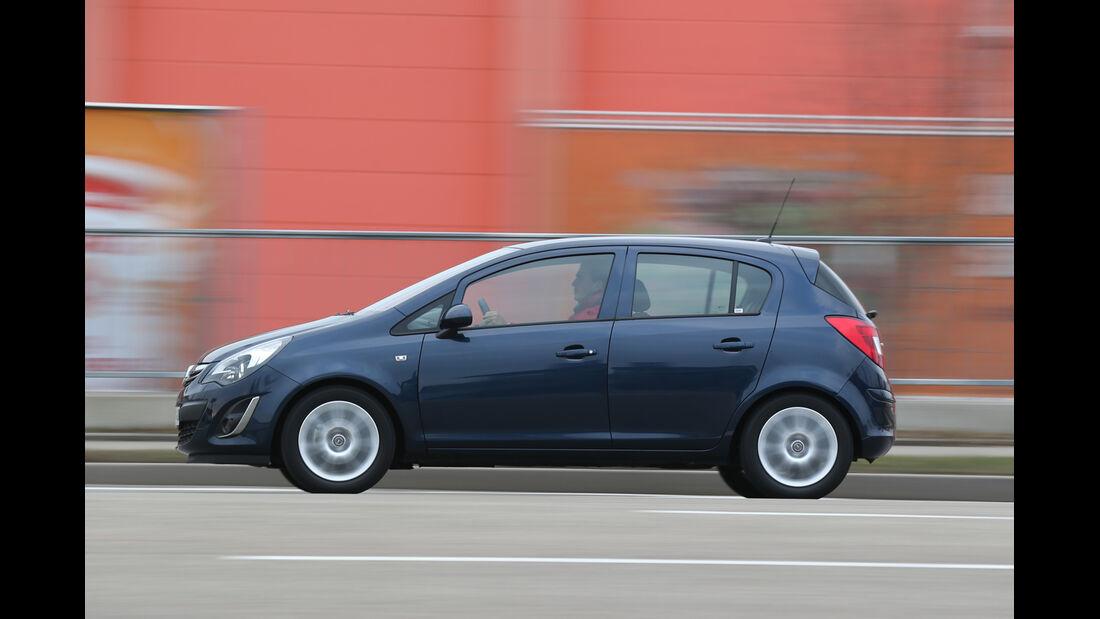 Opel Corsa 1.4 Innovation, Seitenansicht