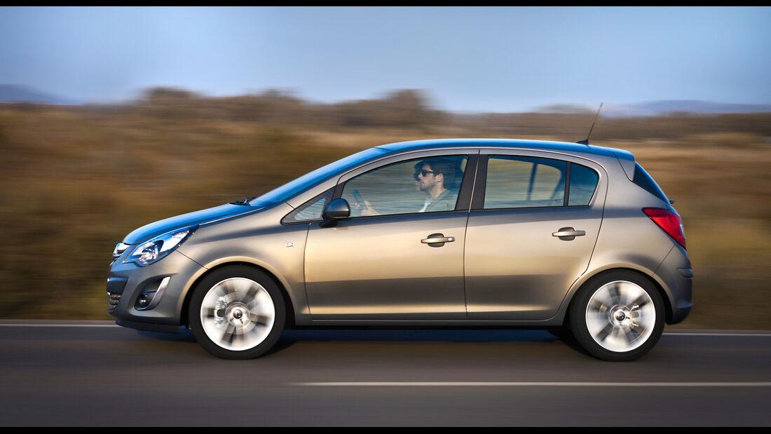 Opel Corsa 1.4, Seitenansicht