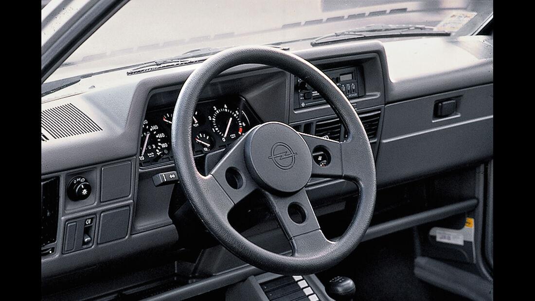 Opel Corsa GSI, Cockpit