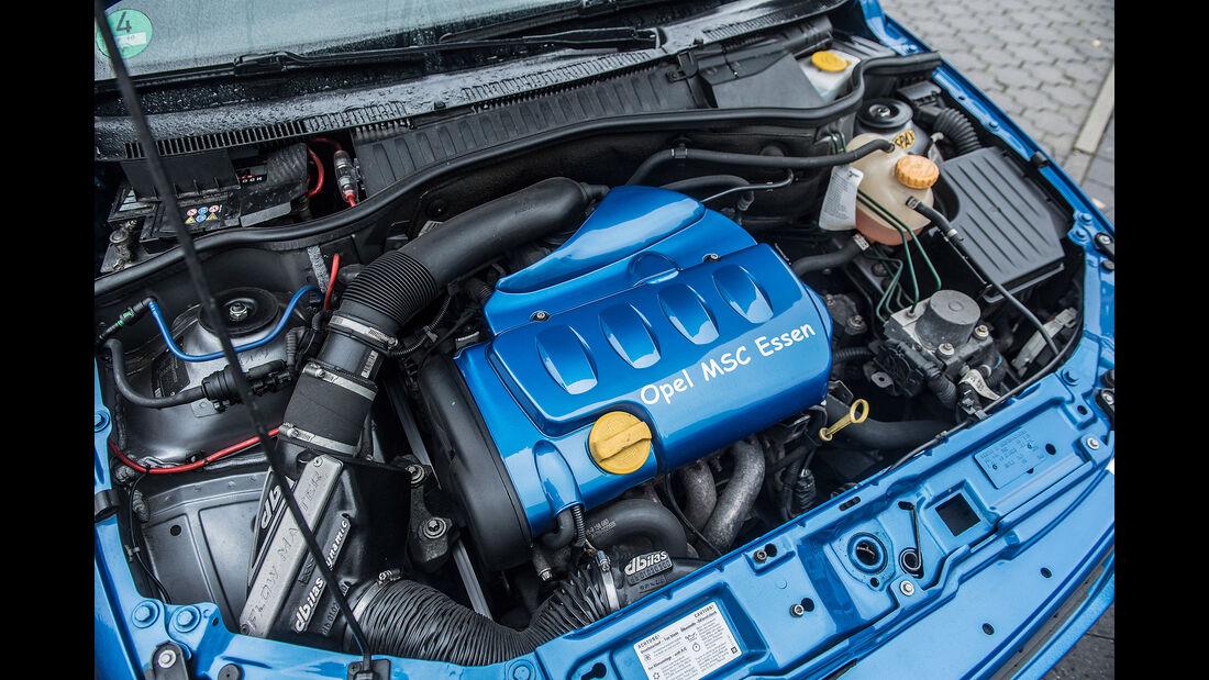 Opel-Corsa-GSi-Motor