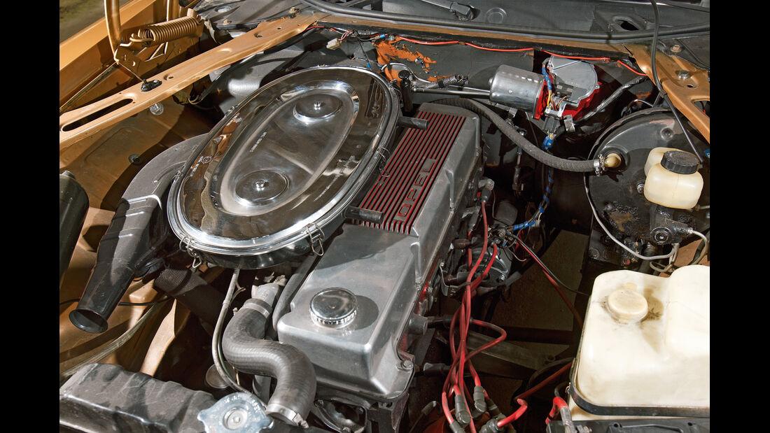 Opel Diplomat, Motor