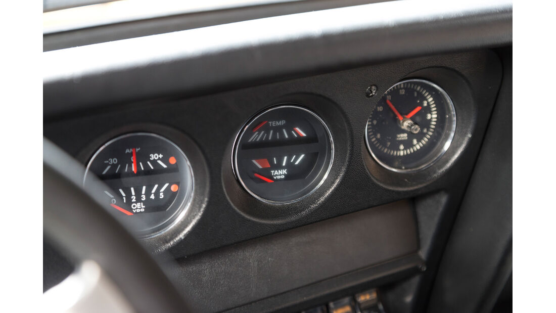 Opel GT 1900, Rundinstrumente