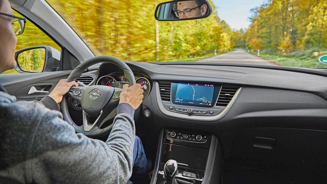 Opel Grandland X 2.0 D, Interieur