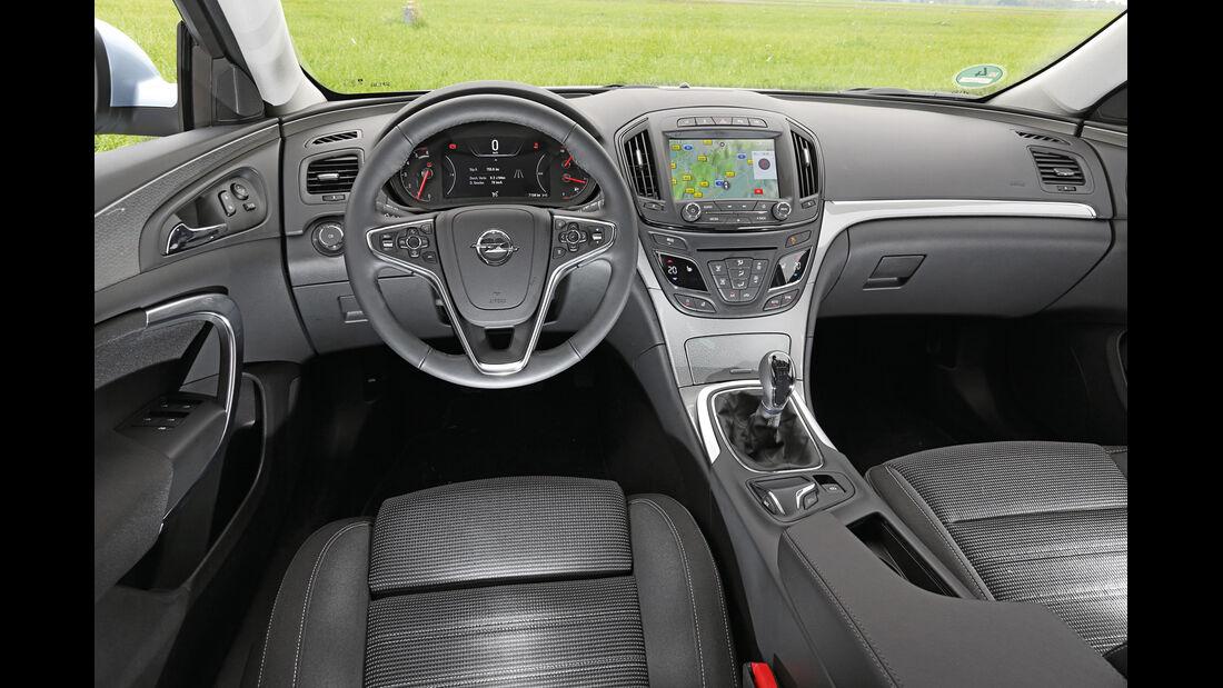 Opel Insignia 2.0 CDTi, Cockpit