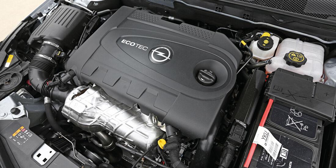 Opel Insignia 2.0 CDTi, Motor