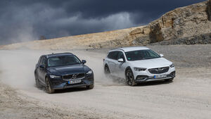Opel Insignia Country Tourer 2.0 BiTurbo Diesel 4x4, Volvo V60 Cross Country D4 AWD Pro, Exterieur