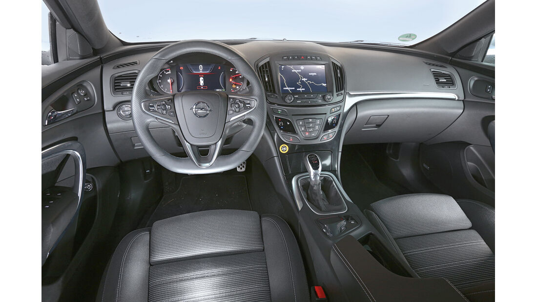 Opel Insignia Country Tourer 2.0 CDTI, Cockpit