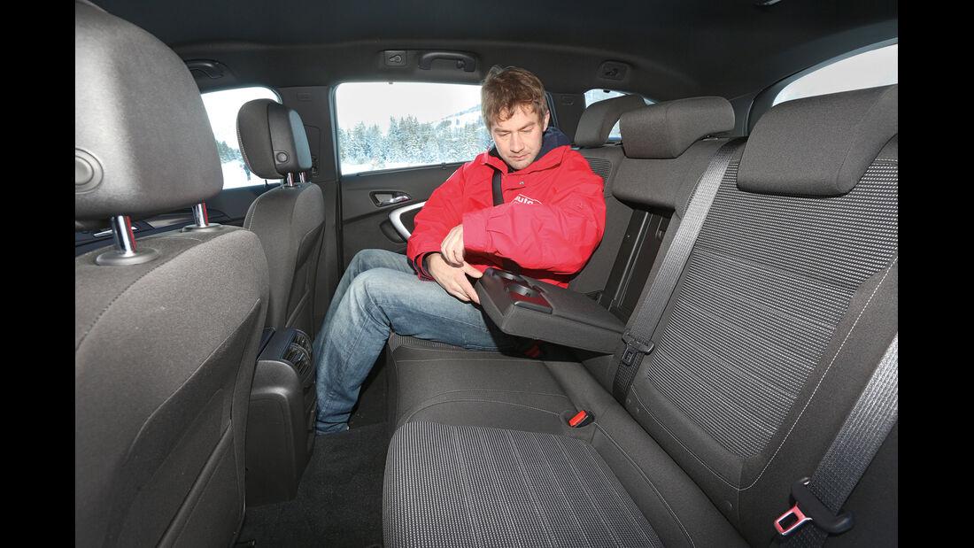 Opel Insignia Country Tourer 2.0 CDTI, Fondsitz, Beinfreiheit, Armlehne