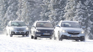 Opel Insignia Country Tourer 2.0 CDTI, Subaru Outback 2.0D, VW Passat Alltrack 2.0 TDI, Front
