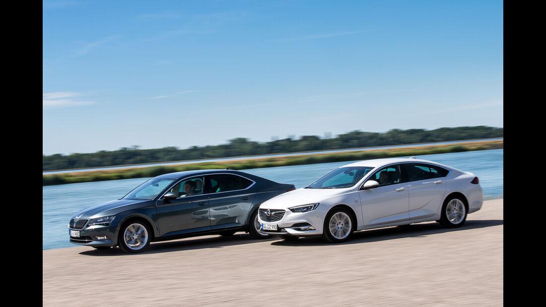 Opel Insignia Grand Sport 2.0 D Business Innovation, Skoda Superb 2.0 TDI Style, Außenansicht