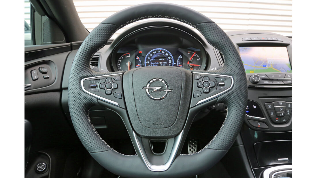 Opel Insignia OPC Sports Tourer Unlimited, Lenkrad