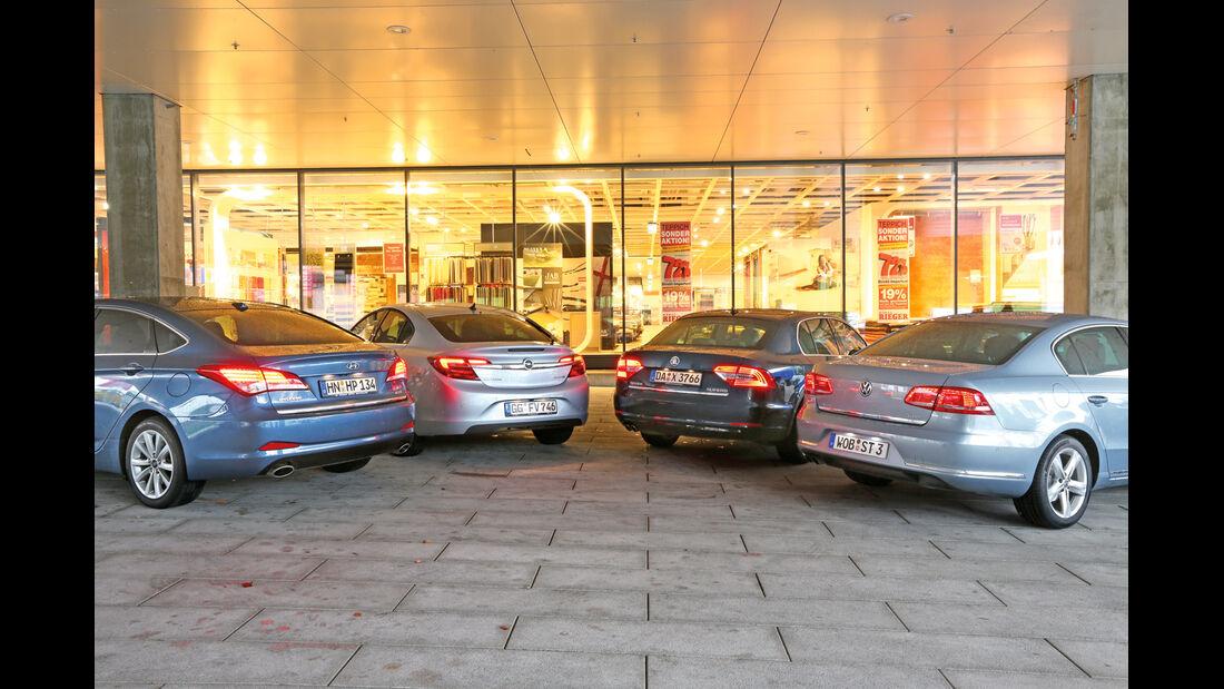 Opel Insignia, Skoda Superb, VW Passat, Hyundai i40, Heckansicht