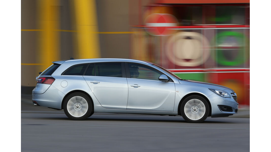 Opel Insignia Sports Tourer 2.0 BiT CDTi, Seitenansicht