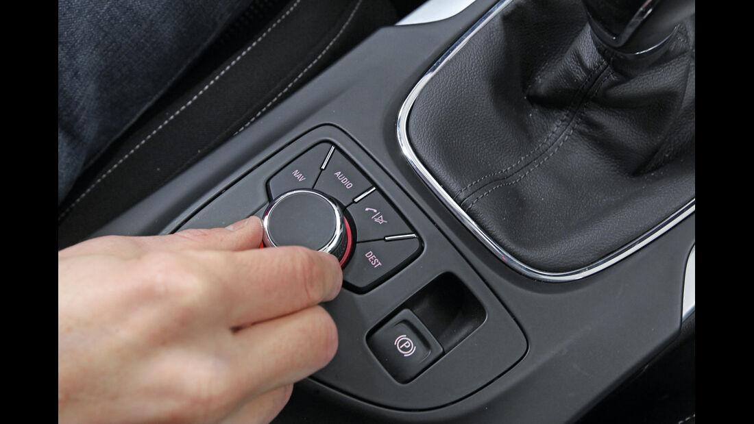 Opel Insignia Sports Tourer 2.0 BiTurbo, Bedienelement
