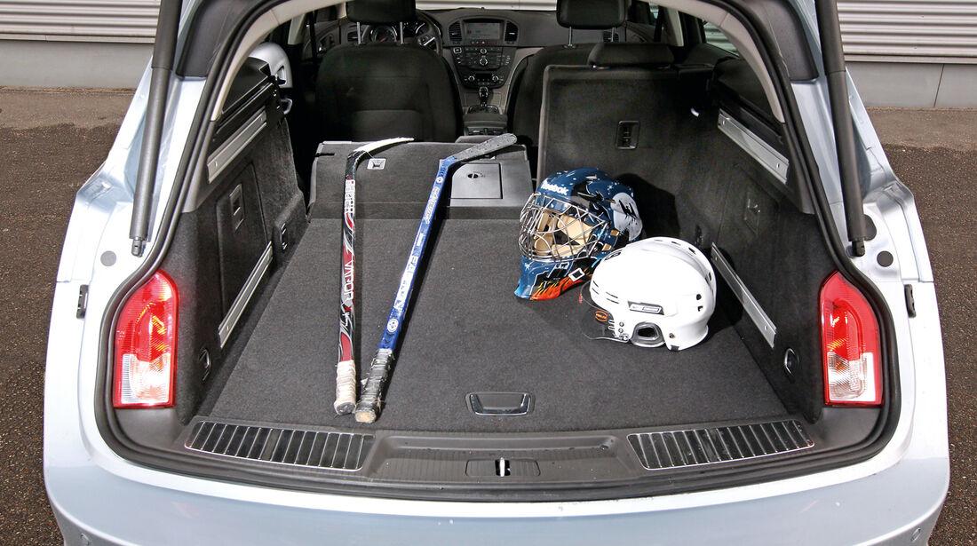 Opel Insignia Sports Tourer 2.0 BiTurbo, Kofferraum, Ladefläche