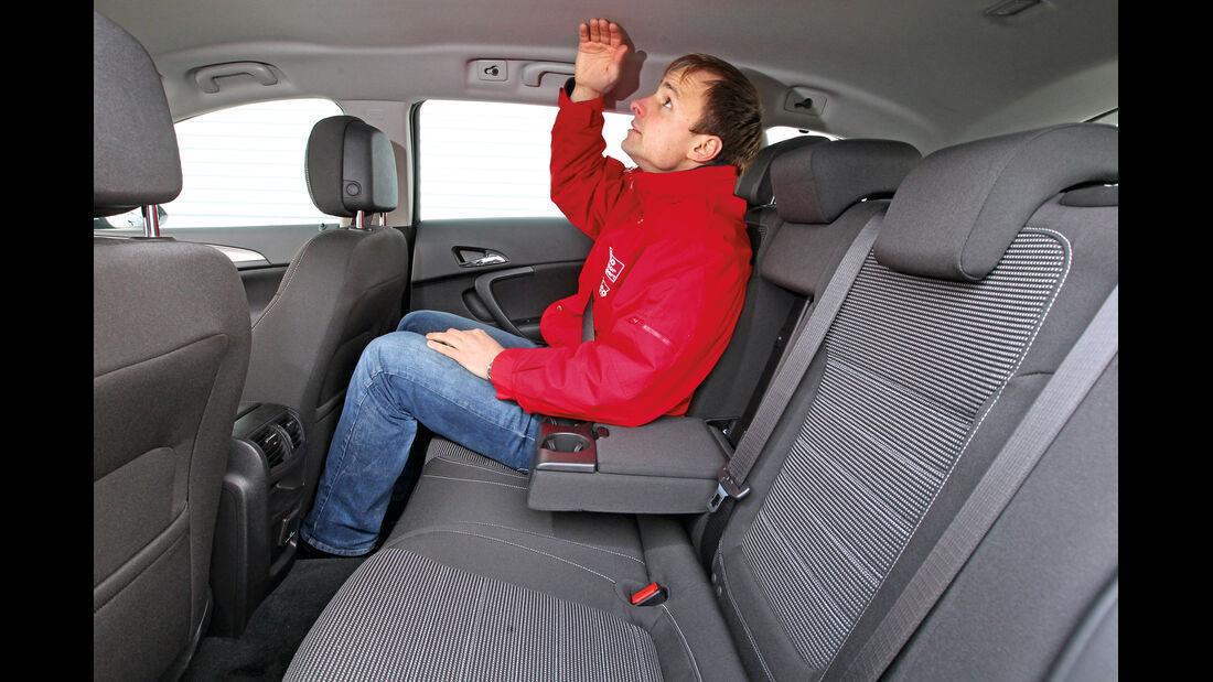 Opel Insignia Sports Tourer 2.0 BiTurbo, Rücksitz, Kopffreiheit