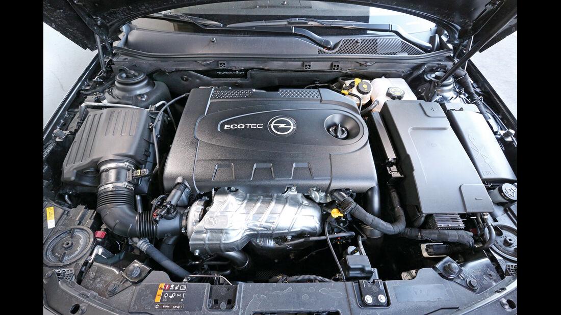 Opel Insignia Sports Tourer, Motor