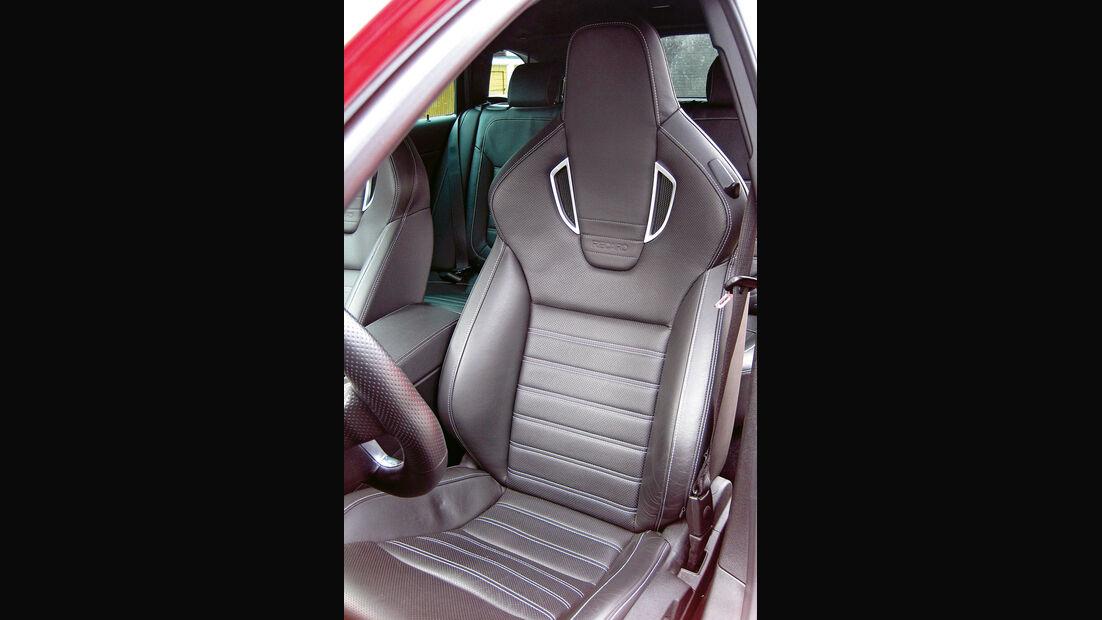 Opel Insignia Sports Tourer OPC, Fahrersitz