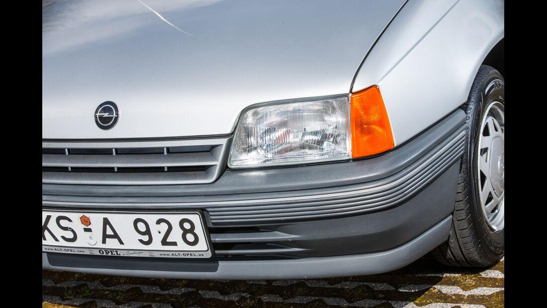 Opel Kadett 1.6i, Frontscheinwerfer
